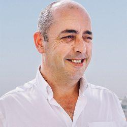 Carlos Costa - Motorista